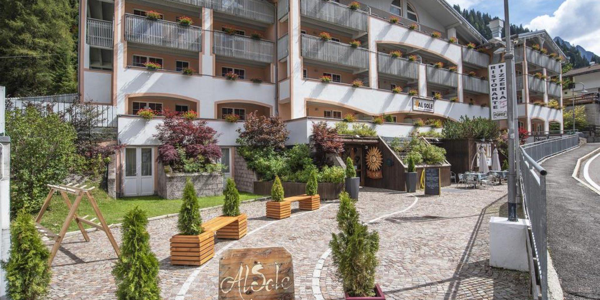 Al Sole Hotel & club residence
