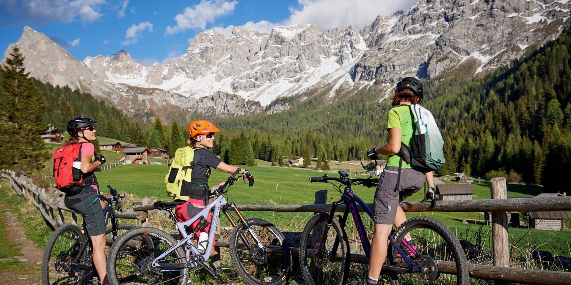 Alle cascate in val San Nicolo' e-bike tour