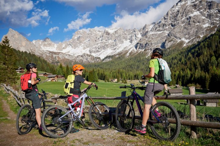 To the waterfalls in val san Nicolò – e-bike tour