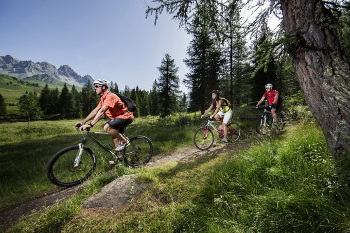Lusia and San Pellegrino e-bike or MTB tour