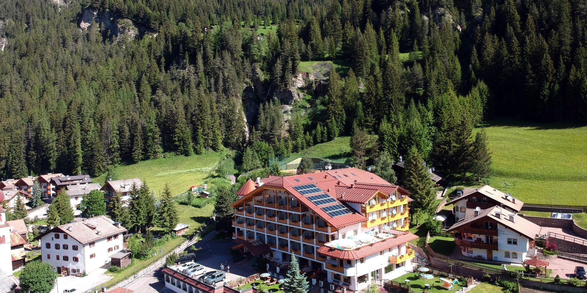 Hotel Cèsa Tyrol