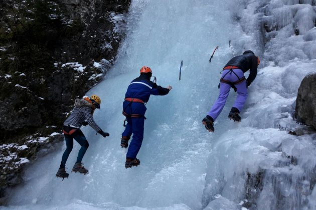Approach to ice climbing