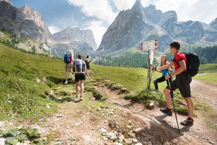 Backpack on your shoulder: excursions in the Dolomites!
