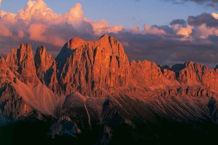 (Italiano) Enrosadira romantica – Escursione serale con cena in rifugio